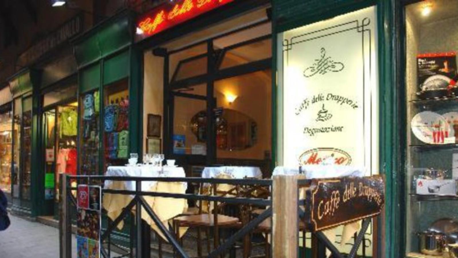 http://www.arte.it/guida-arte/bologna/da-vedere/locale/bar-caff%C3%A8-delle-drapperie-2364